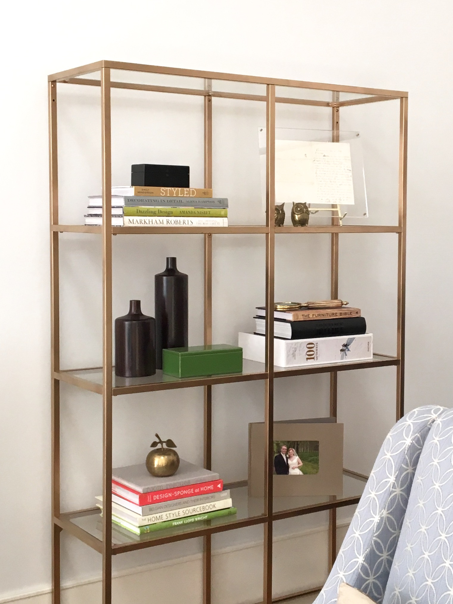 diy project ikea hack faux brass bookshelf to make a home. Black Bedroom Furniture Sets. Home Design Ideas